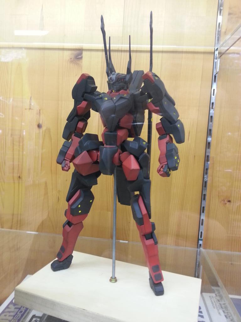 富山市のおもちゃ屋さん「バンビ本郷店」さんの模型コーナーにフルスクラッチクロムクロを展示させて頂きました(^ー^)5月の