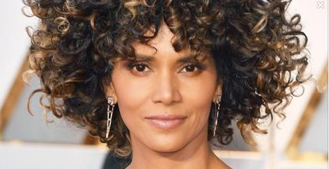 @refinery29: @halleberry is rocking her natural hair, despite the haters: https://t.co/ev75lBbsQV https://t.co/8lcfw9jLK5