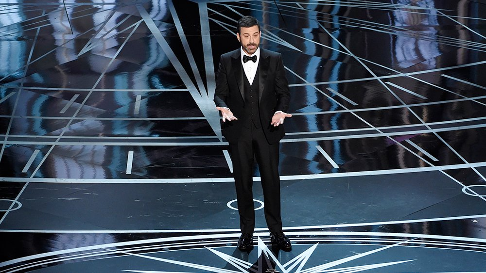 ".@jimmykimmel keeps Matt Damon feud alive at the Oscars: ""He has no discernible talent"""