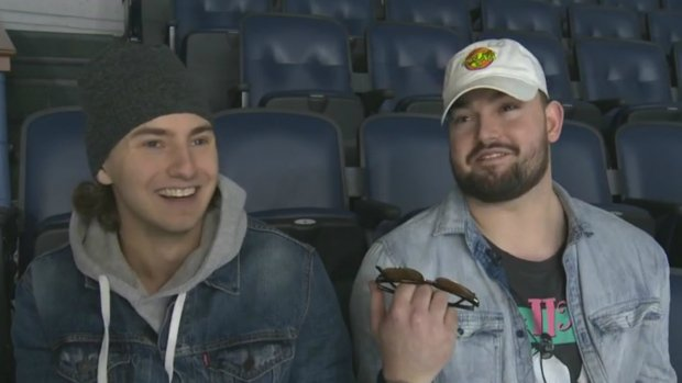 Halifax friends post Kijiji ad for dates to hockey game, get 200 responses