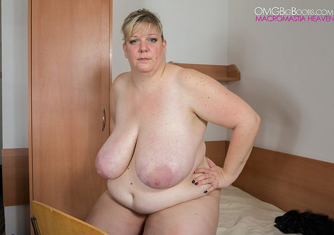 Debbie Sexy #mature #bbw see more at https://t.co/Yd0xzToxWF https://t.co/AOYACprCCo