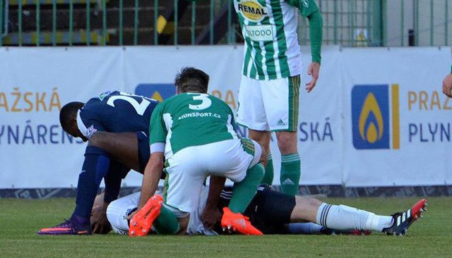 Life-saving Togo striker wins over Czech fans