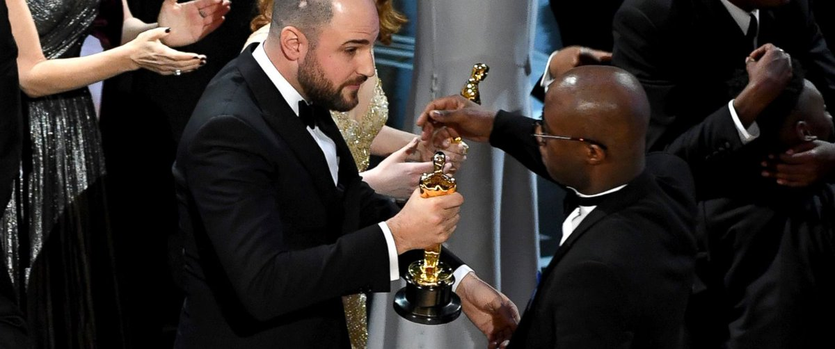 Academy of Motion Picture Arts and Sciences apologizes for Oscars mix-up: