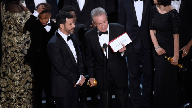 "Warren Beatty wants the Academy president to ""publicly clarify"" the Oscars snafu"