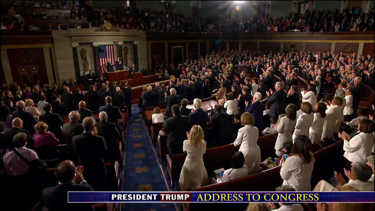 .@POTUS: 'We must support the incredible men and women of law enforcement.' #TrumpAddress https://t.co/dAlG7hq9Sd https://t.co/XRVQYQhoZF