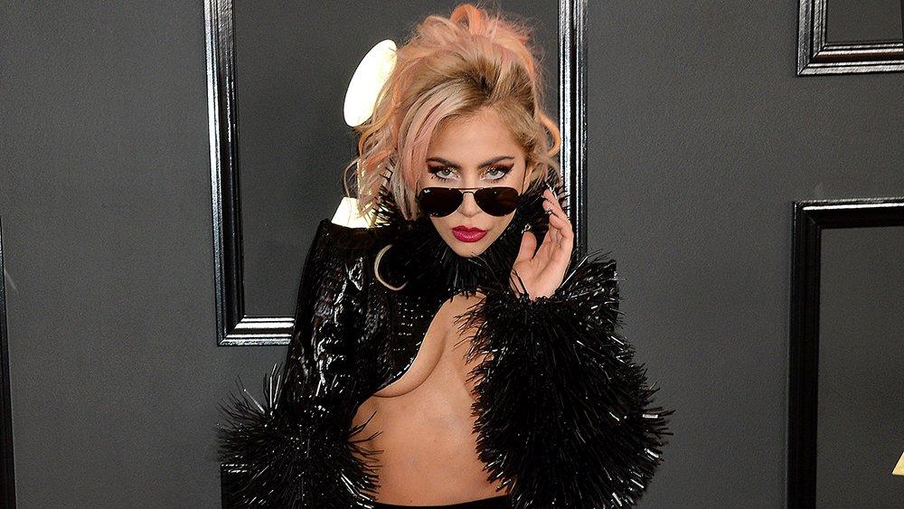 .@ladygaga to replace @Beyonce as Coachella headliner