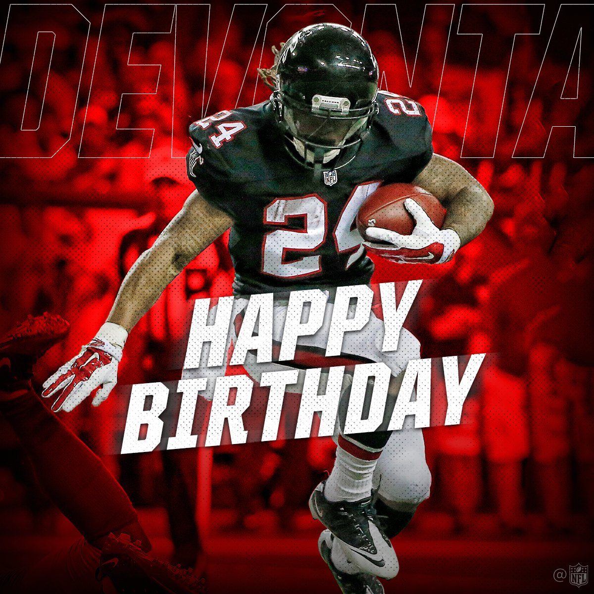 Join us in wishing @devontafreeman a happy birthday! #HBDFreeman https://t.co/oNfKeA9iV2