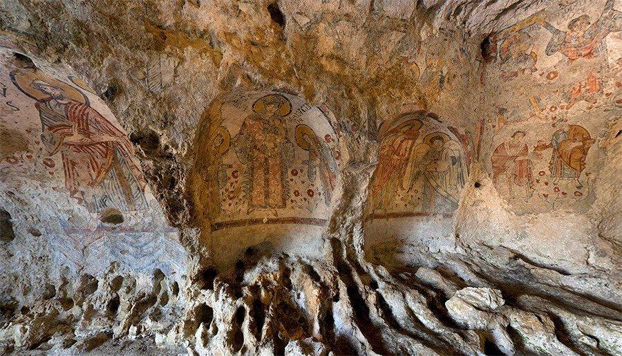 @dailuoghi Una 'cappella sistina' rupestreCripta Del Peccato Originale Matera#DaiLuoghi in Basilicata https://t.co/hcEJCJK5h3