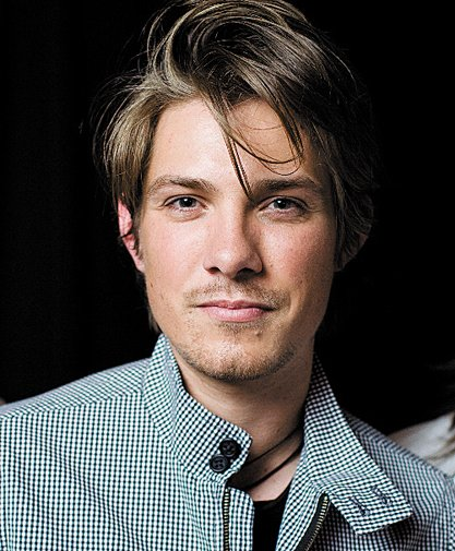 HAPPY BIRTHDAY TAYLOR HANSON I WAS A FAN SINCE THE STAYOU ARE TRULY A AMAZING TALENT XXX