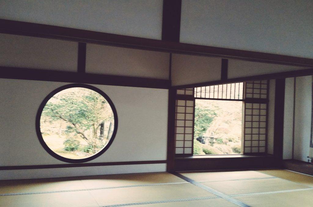 京騒戯画のこの窓が本当に印象的でずっと忘れられなかったので実際に目で見ることが出来て人生の目標のうちの一つが達成したくら