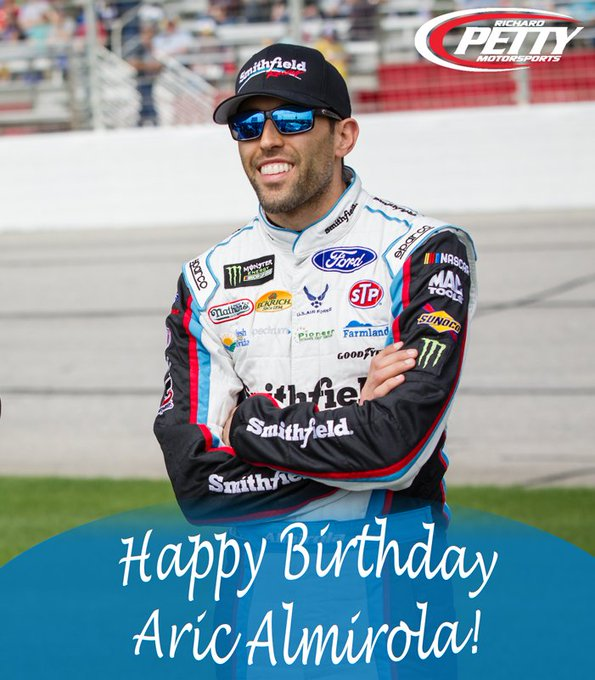 It\s a day of birthdays!! to wish a very happy 33rd birthday!