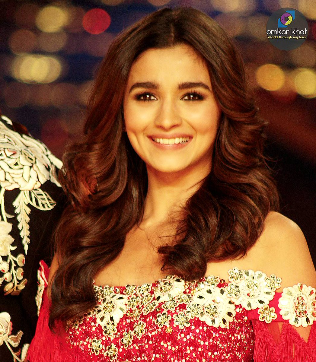 """HAPPY BIRTHDAY ALIA BHATT\"" u r best actress in the time. So beautiful and lovely"