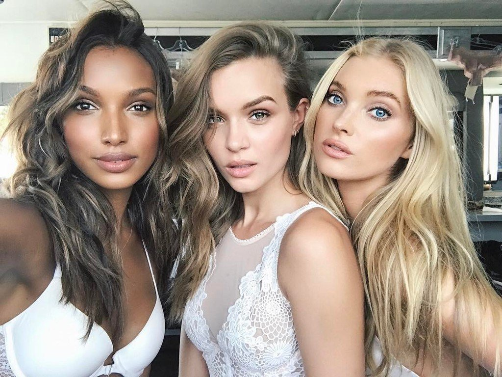 RT @JosephinSkriver: when the light is just right ???? #angelselfie https://t.co/i5mquWmh2R