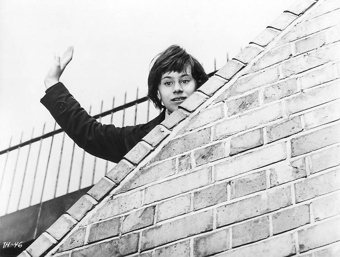 Happy 75th birthday to Rita Tushingham. We love her in A TASTE OF HONEY.