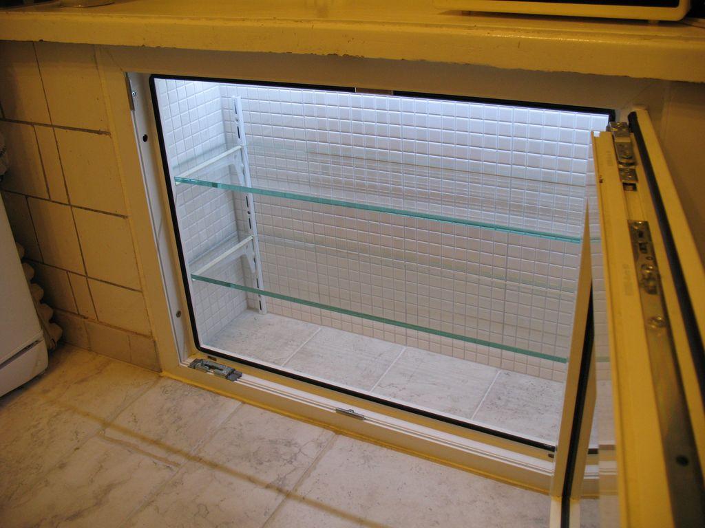 Отделка холодильника под окном своими руками 106
