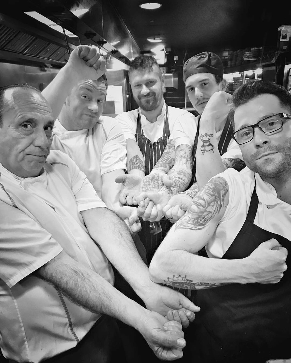 Me and @gennarocontaldo seem to be lacking some body art. Big love to our fantastic team in Piccadilly https://t.co/43YxubW8uB