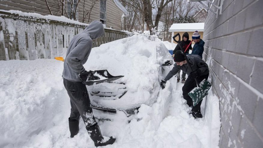 Meteorologists chose not to cut winter storm forecasts despite last-minute shift