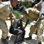 Police officers beat up journalists at UMU graduation