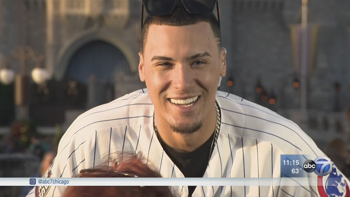 Javier Baez is all smiles making no-look tag for Puerto Rico