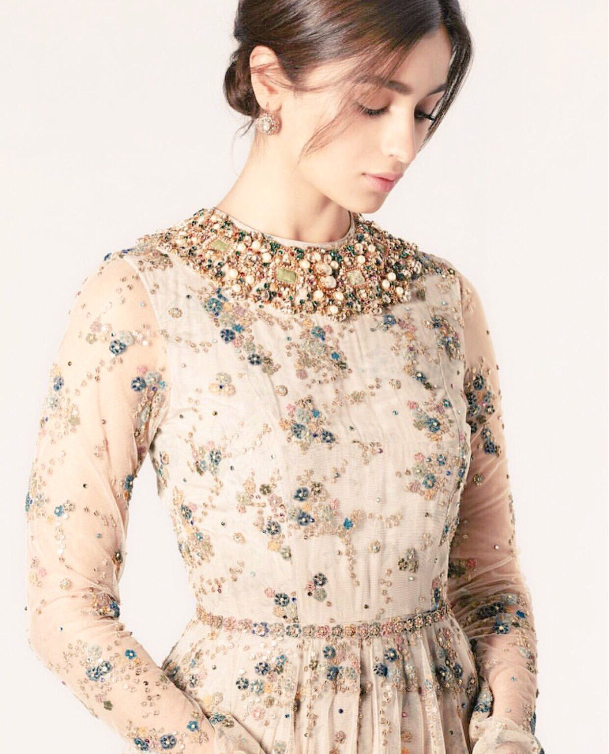 Happy Birthday Gorgeous Alia Bhatt!  May god gives you more and more success! Keep shinning bright.