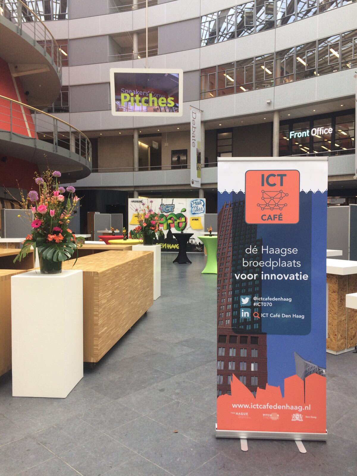 Nog een uurtje voordat het #ICTCafé begint met het symposium. Wij zijn er klaar voor, tot straks! #ICT070 #digitalisering #onderwijs https://t.co/XYQxSqiGi0