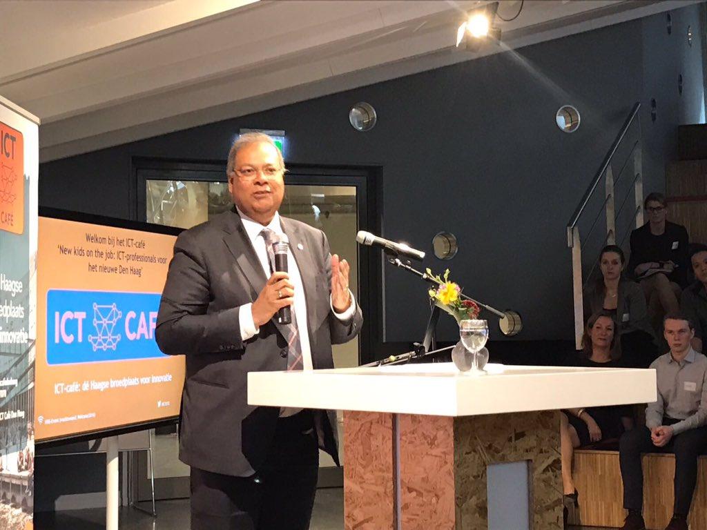 .@RSBaldewsingh: 'ICT is de kurk waarop onze samenleving drijft. Dus het is heel belangrijk dat we ons voorbereiden op toekomst.' #ICT070 https://t.co/PXxitEmsll