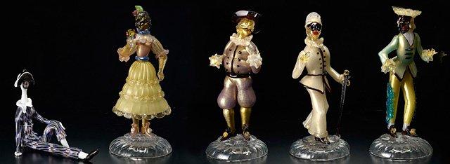 プリマヴェーラ~春を彩るヴェネチアン・グラス~会期:4月9日まで。カーニヴァルなどで上演された仮面喜劇の登場人物のガラス
