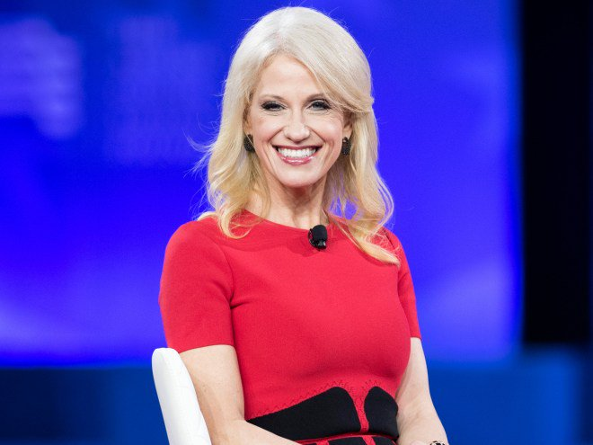 Kellyanne Conway compares her  alternativefacts gaffe to the Oscars mistake: