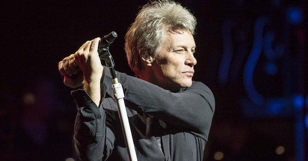 ¡Happy Birthday! cumple 55 años: su vida en 5 canciones