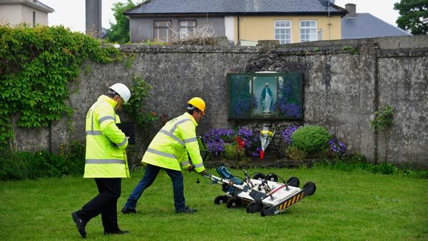 RT @latimes: Mass grave found at former Catholic orphanage in Ireland https://t.co/iIM4YzFQ8q https://t.co/kIrpTD1shA