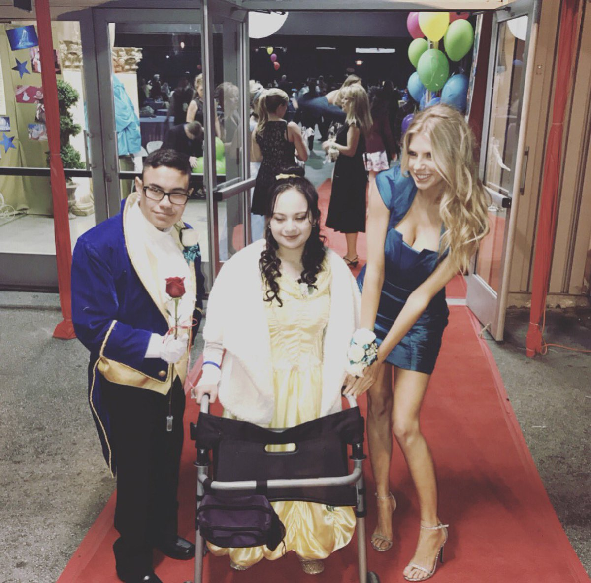 Best prom dates ever !  @bestbuddies https://t.co/Lh3OLruQW3