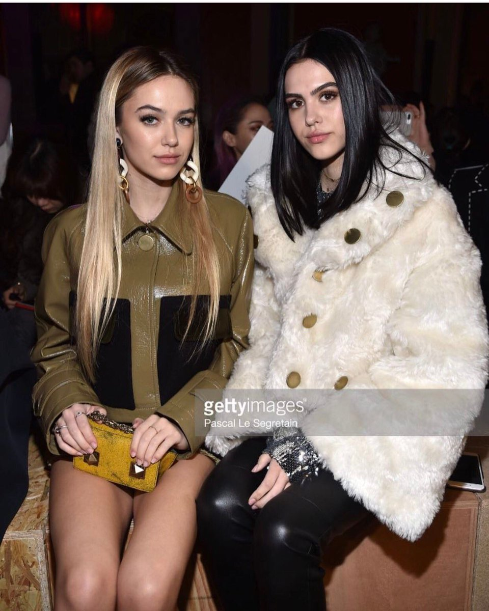 My babies front row at @soniarykiel tonight. #PFW17 #soproudofourgirls! #sisters ❤ https://t.co/PXHplXIAVg