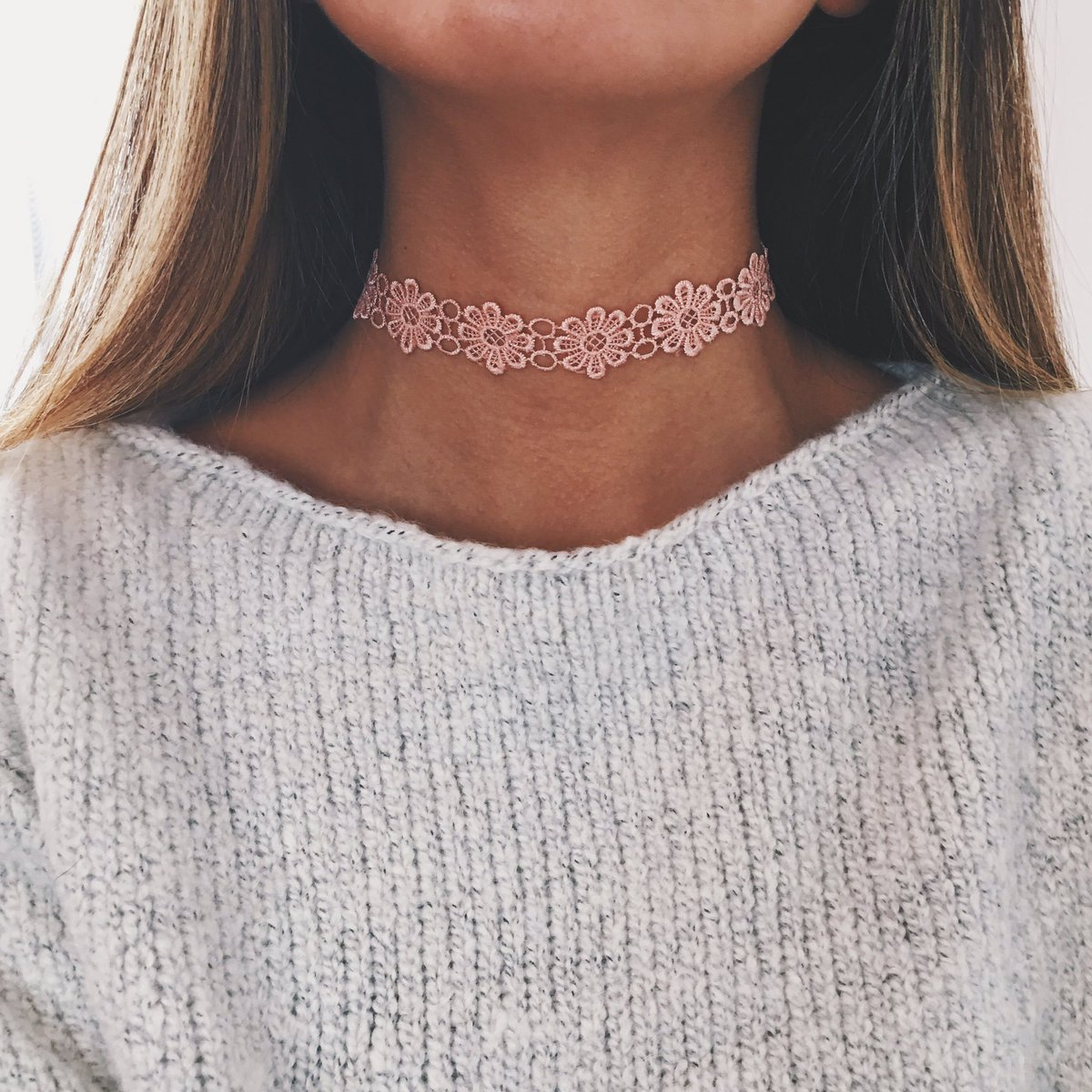 flowerbomb choker ����   https://t.co/6KvUjCNV6N ⭐️ by #artfulIy via @c0nvey https://t.co/Uc2lYBZuHw