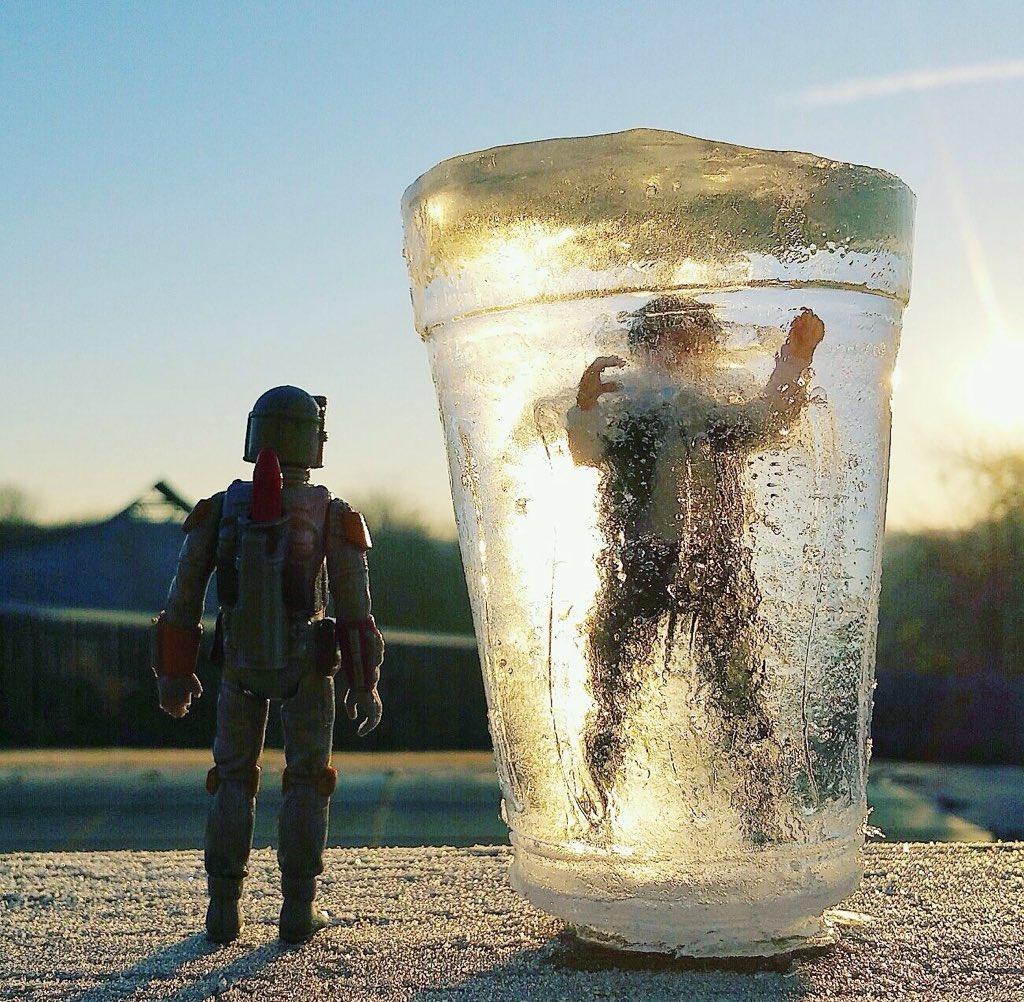 """He's no good to me dead."" Boba Fett and Frozen Han Solo by Michael Havens. https://t.co/XbZSJGZ77W"
