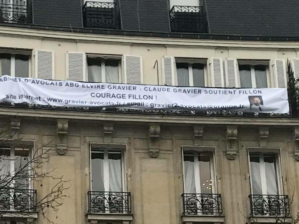 'Le cabinet d'avocats Gravier soutient @FrancoisFillon '. �������� #FillonPresident #Trocadero https://t.co/wMhtCHbkjY
