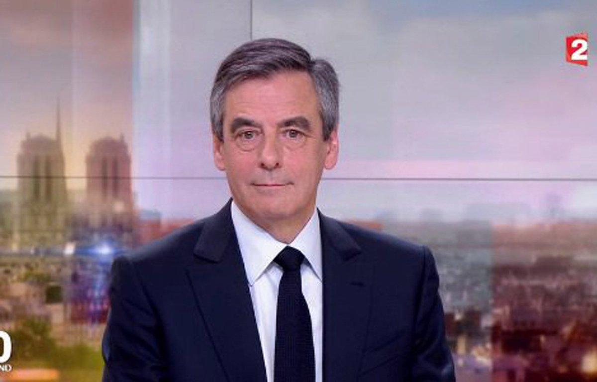 Selon Fillon, 'on a annoncé le suicide de [s]a femme mercredi matin sur les chaînes de télévision' (c'est faux) https://t.co/AZMjm90d56