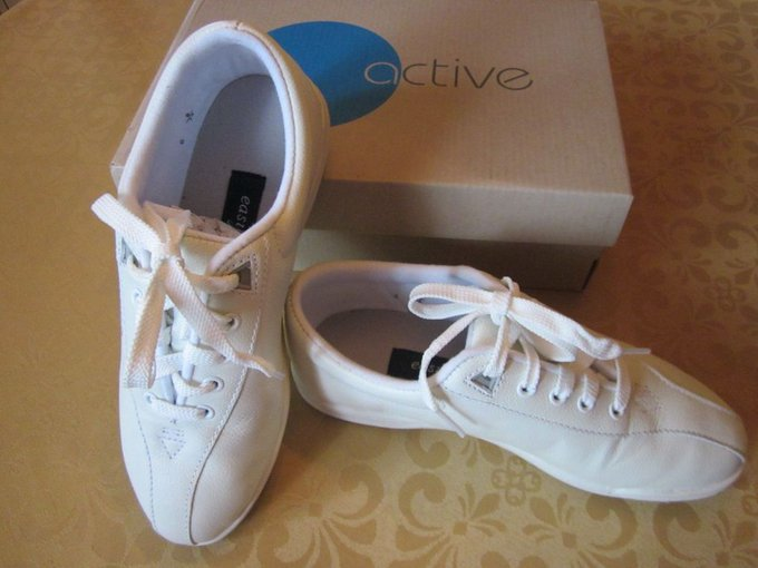 #fashion #style #giveaway NEW IN BOX EASY SPIRIT WHITE LEATHER TENNIS SHOES COMFORT WITH TRADITIONAL STYLE #rt