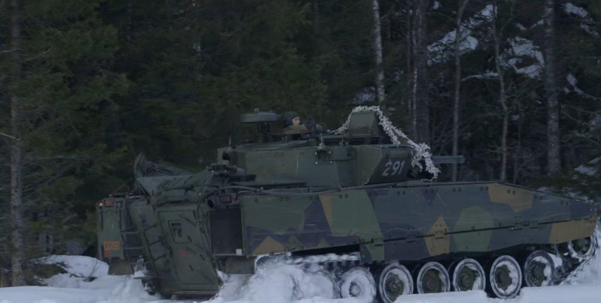 Winter Warfare Training: Joint Viking 2017 involves British, American & Norwegian troops