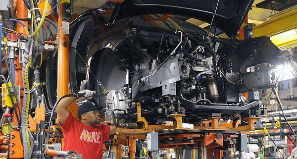 GM to lay off 1,100 at Michigan plant, move Acadia