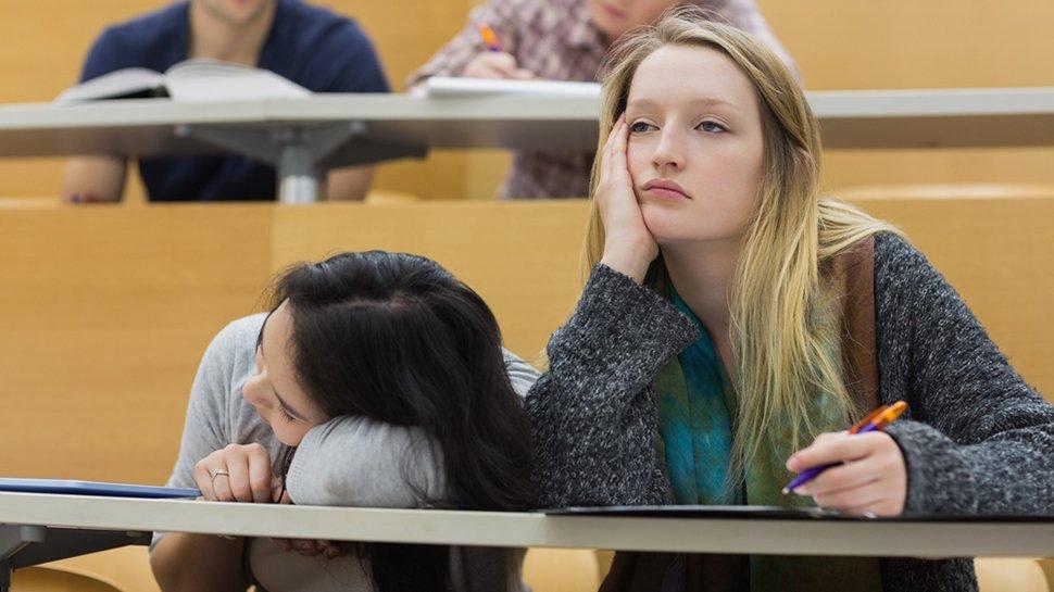 """""""Le Power Point rend les étudiants bêtes et les profs ennuyeux"""" https://t.co/AVj2J1l5Sb"""