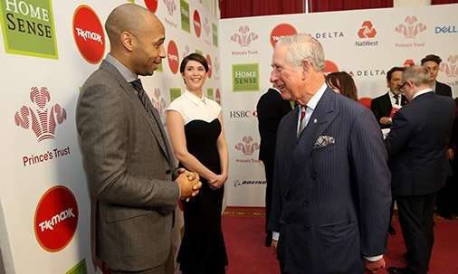 PrinceCharles mingled with @antanddec at today's inspirational awards ceremony: