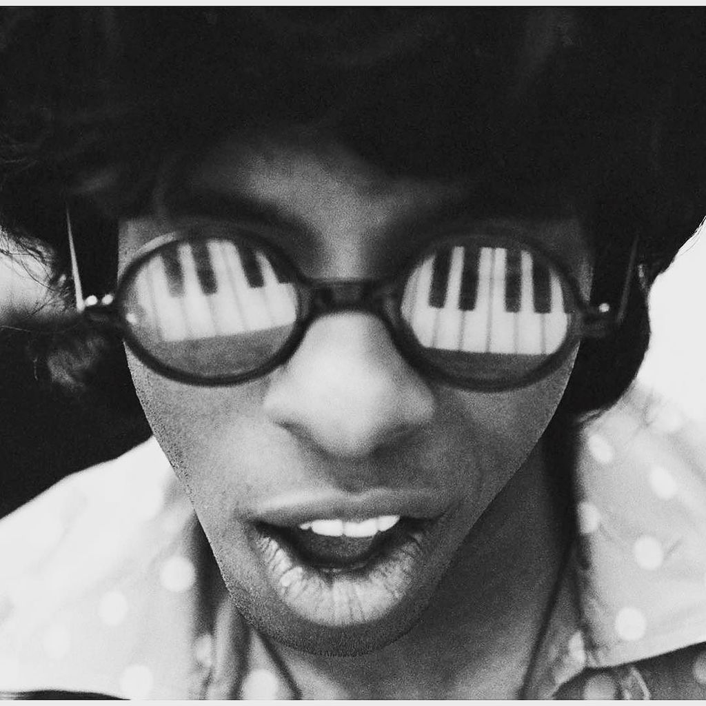 Happy Birthday to the genius Sly Stone! I know we speak for so many when we say thank you for inspiring so many peo