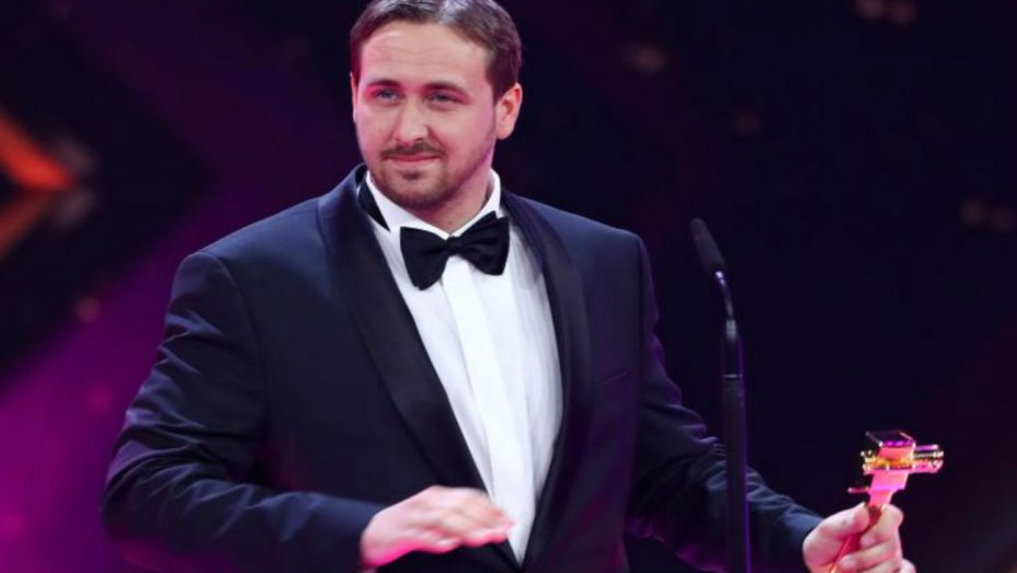 How two German comedians pranked an awards show with a fake Ryan Gosling