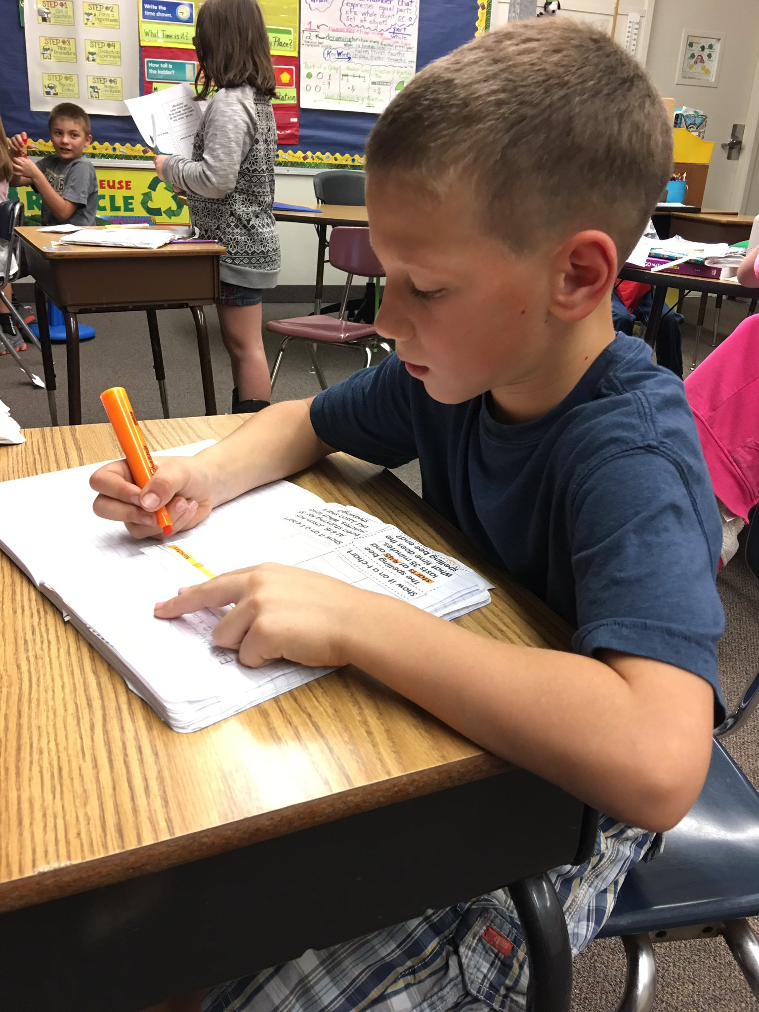 Mrs. Ricciardi's third graders used T-Charts to practice elapsed time this afternoon.  Such concentration ... and fun!  @ipseagles https://t.co/EXVtze3sff