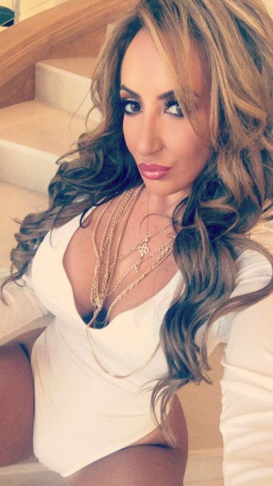 Book your 1 on 1 Skype Show with me here >>> Bookrichelleryan@gmail.com  #LetsPlay https://t.co/zU5m
