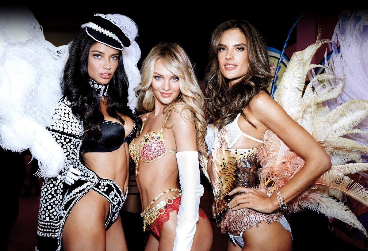RT @AngelAlessandra: #FBF with my angels ???? @VictoriasSecret https://t.co/wq7iazHeWR