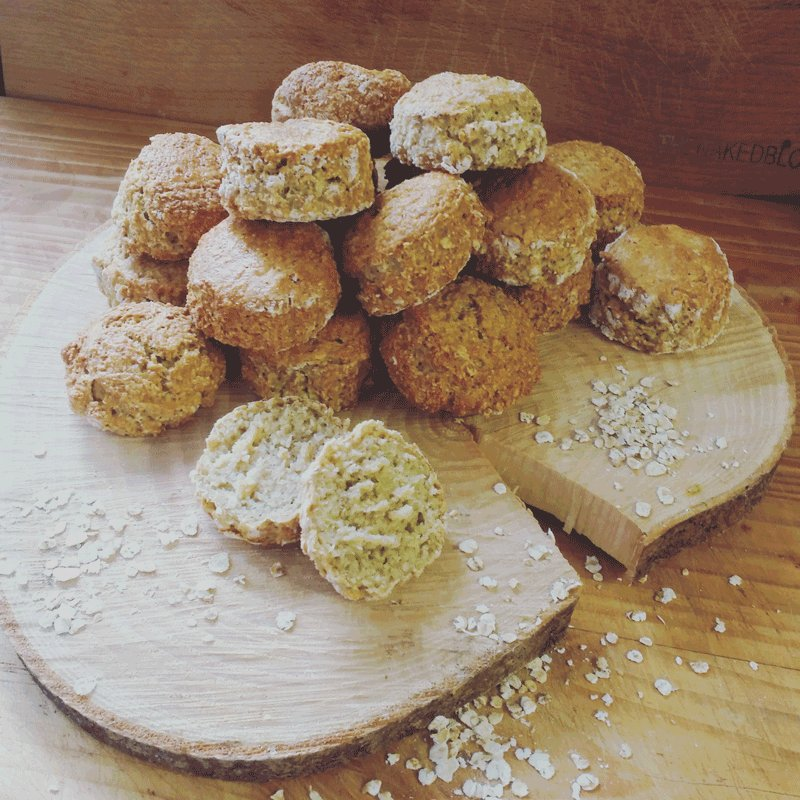 Get stuck into @thenakedblondie 's delicious oaty soda bread this weekend! https://t.co/8QoX6R81K2 https://t.co/Tv8DzUoqHz