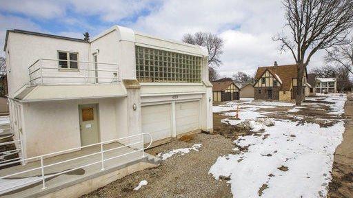 Mason City neighborhood makes room for historic houses