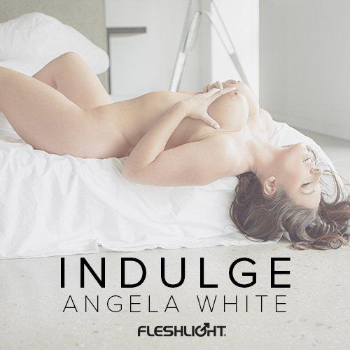 #Indulge with my signature @Fleshlight 💕https://t.co/3fpUvFshzM https://t.co/vMmn8dPMYG