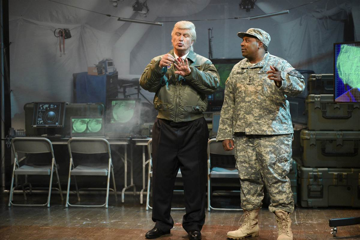 "Alec Baldwin's President Trump faces an alien invasion on ""Saturday Night Live"""